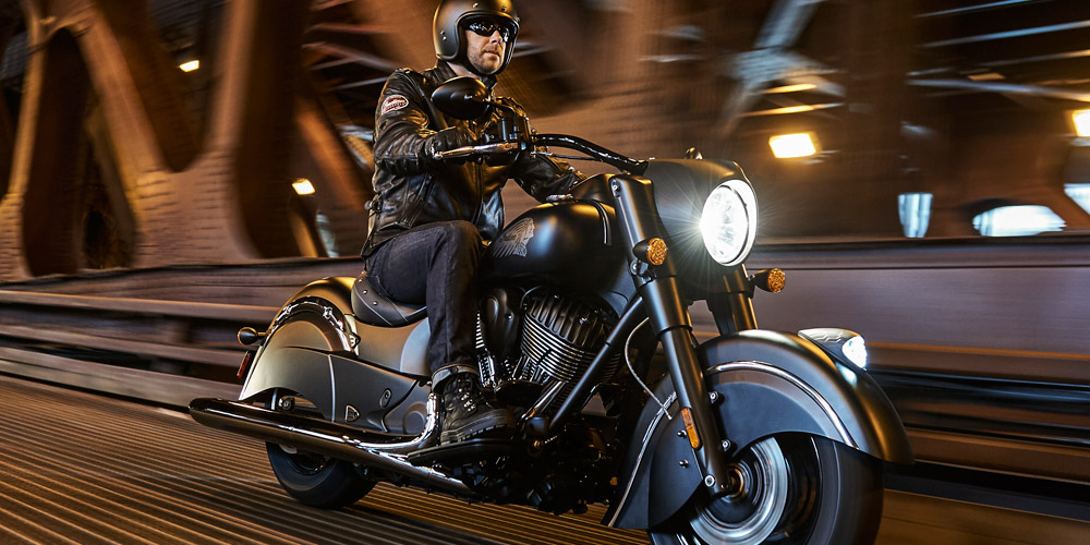 Indian® Chief® Dark Horse - BLACKED-OUT STIJL
